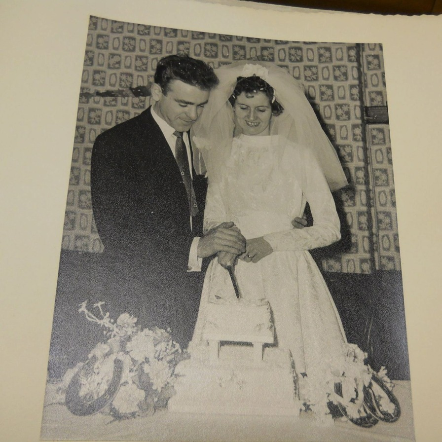 Mom and Dad on Wedding Day October 15, 1960